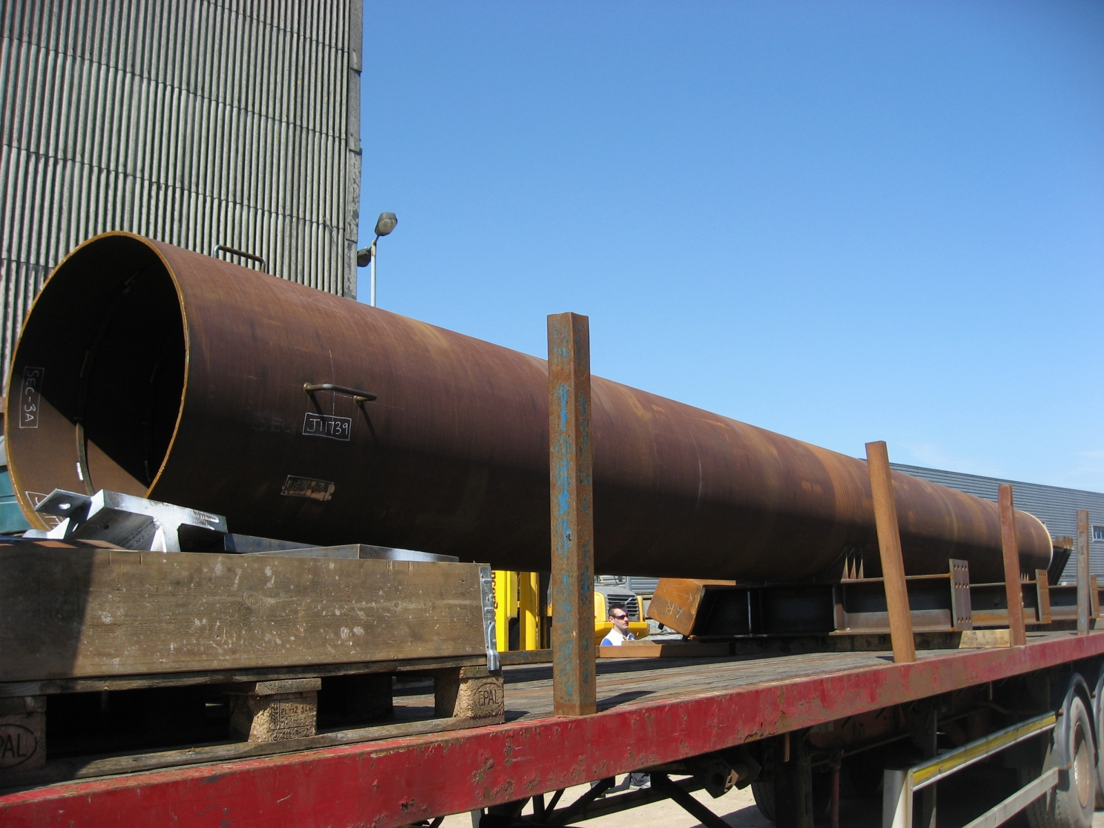 1.-Pile-Pipe-arrives